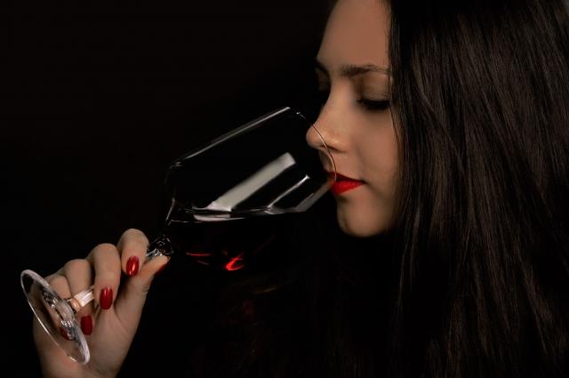 赤ワインは健康にいいという話、よく聞きます